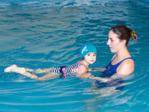 Classes-natacio-nens